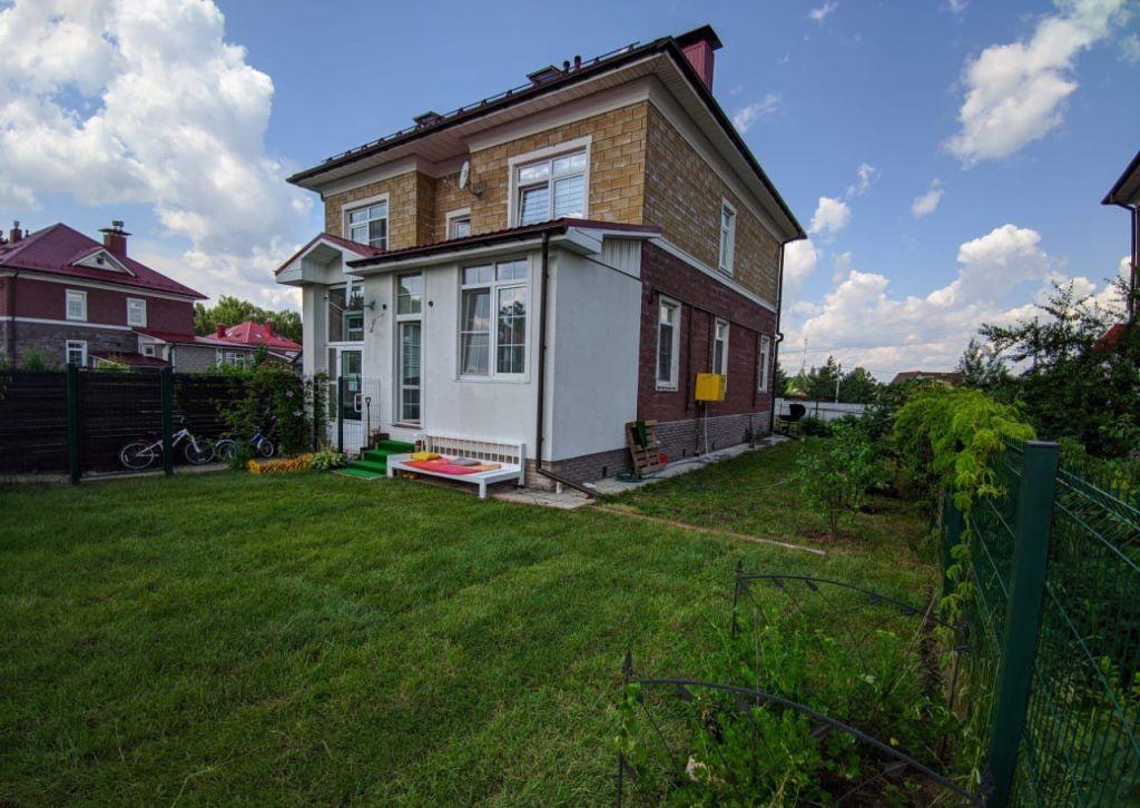 Продажа двухкомнатной квартиры село Озерецкое, Никольская улица 38, цена 6400000 рублей, 2021 год объявление №513015 на megabaz.ru