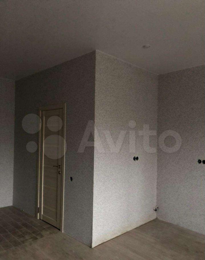 Продажа студии деревня Бородино, Варшавское шоссе 79, цена 2950000 рублей, 2021 год объявление №601030 на megabaz.ru