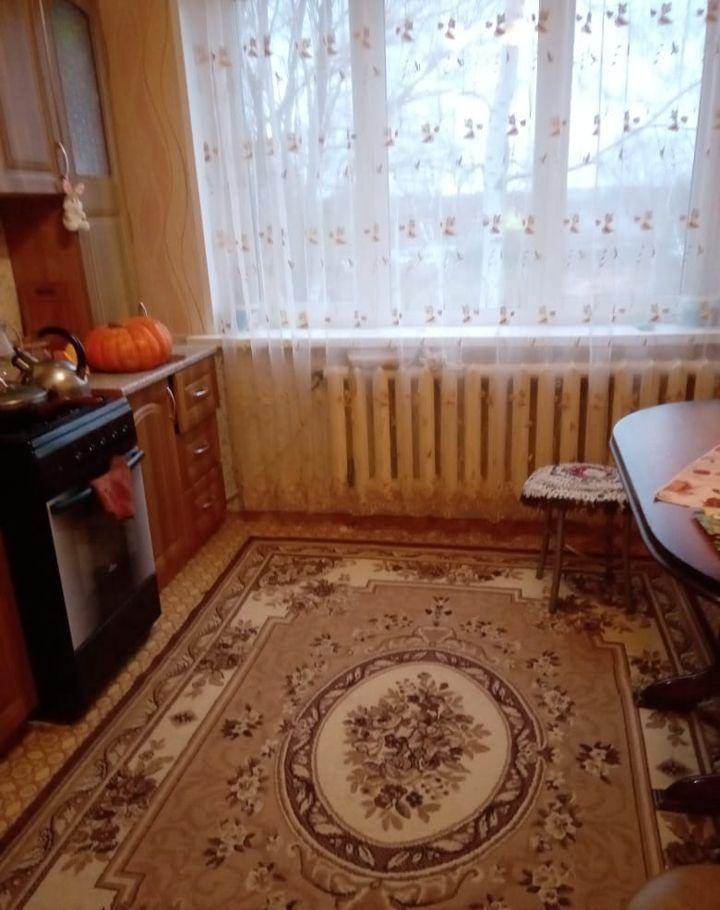 Продажа трёхкомнатной квартиры село Ильинское, Центральная улица 9, цена 2500000 рублей, 2020 год объявление №385576 на megabaz.ru