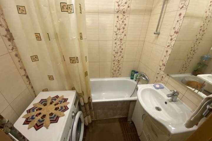 Продажа двухкомнатной квартиры поселок Колычёво, Первомайская улица 19, цена 2800000 рублей, 2021 год объявление №534755 на megabaz.ru