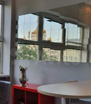 Продажа однокомнатной квартиры Москва, метро Кропоткинская, Гоголевский бульвар 8, цена 26500000 рублей, 2021 год объявление №535587 на megabaz.ru
