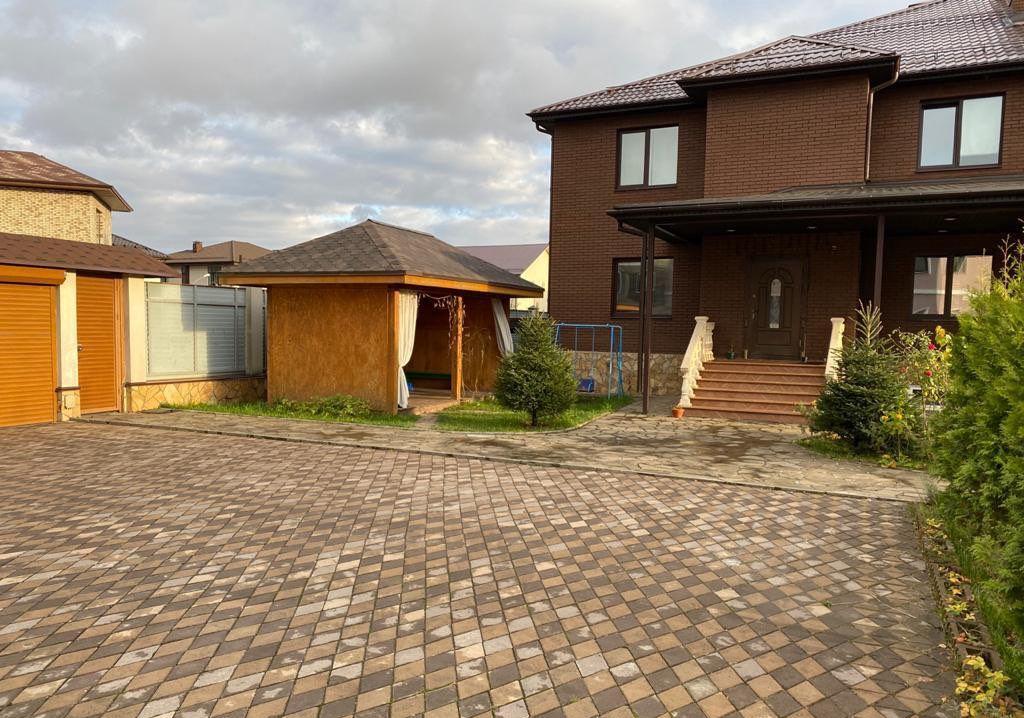 Аренда дома поселок Мещерино, Центральная улица 3, цена 80000 рублей, 2021 год объявление №1301247 на megabaz.ru
