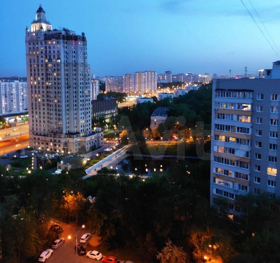 Продажа однокомнатной квартиры Москва, метро Кунцевская, улица Кутузова 2, цена 9895000 рублей, 2021 год объявление №624780 на megabaz.ru