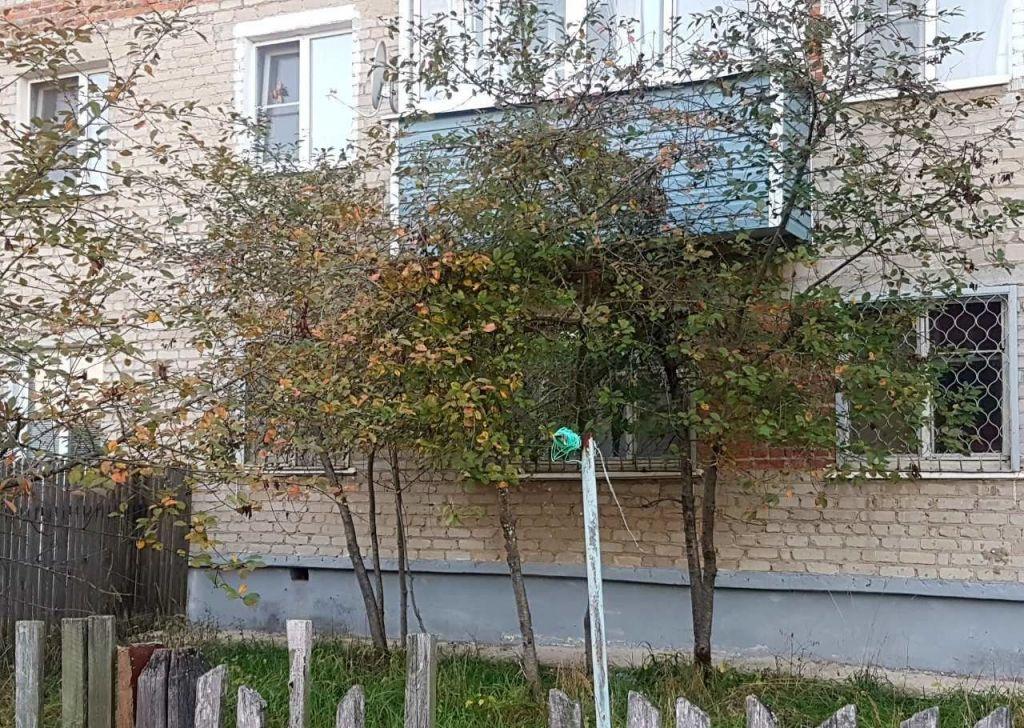 Продажа двухкомнатной квартиры рабочий посёлок Мишеронский, Советская улица 33, цена 700000 рублей, 2021 год объявление №538322 на megabaz.ru