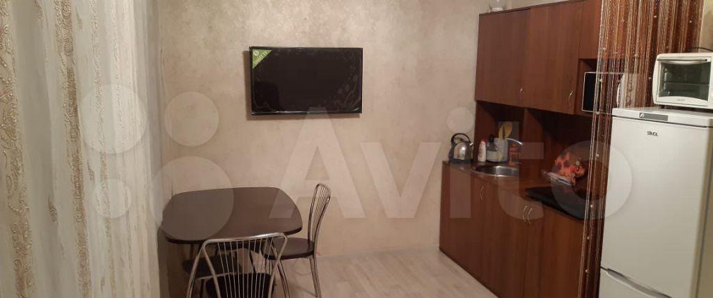 Аренда однокомнатной квартиры посёлок Коммунарка, Фитарёвская улица 17, цена 28000 рублей, 2021 год объявление №1374060 на megabaz.ru