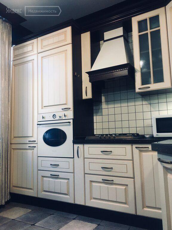 Продажа трёхкомнатной квартиры Москва, метро Курская, Яковоапостольский переулок 17, цена 30000000 рублей, 2021 год объявление №546068 на megabaz.ru