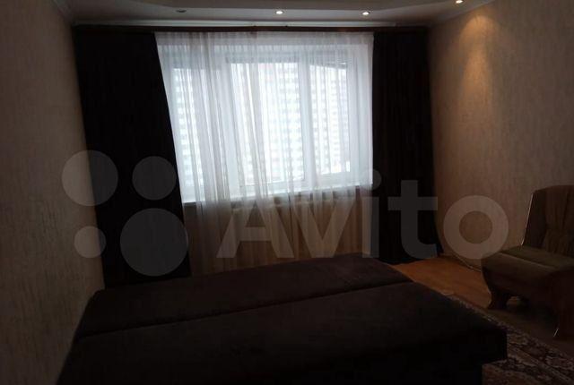 Продажа однокомнатной квартиры поселок ВНИИССОК, Берёзовая улица 1, цена 6000000 рублей, 2021 год объявление №577075 на megabaz.ru