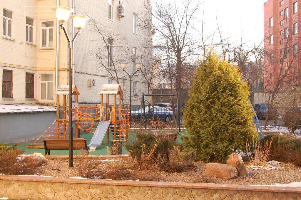 Продажа студии Москва, метро Тургеневская, Большой Харитоньевский переулок 16-18, цена 42000000 рублей, 2021 год объявление №549037 на megabaz.ru