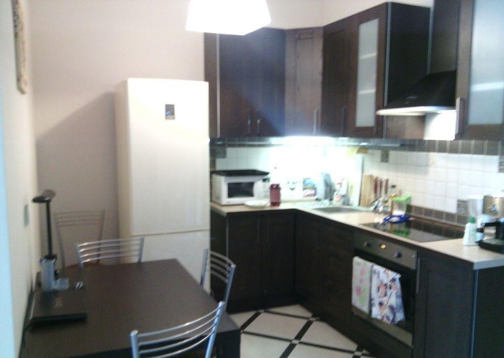 Аренда двухкомнатной квартиры поселок Вешки, Лиственная улица 3, цена 45000 рублей, 2021 год объявление №1039934 на megabaz.ru