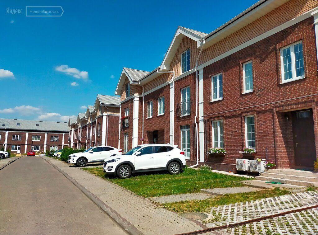Продажа дома деревня Бережки, цена 18000000 рублей, 2021 год объявление №660249 на megabaz.ru
