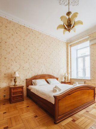 Аренда трёхкомнатной квартиры Москва, метро Тверская, Тверская улица 12с7, цена 8000 рублей, 2021 год объявление №1303137 на megabaz.ru