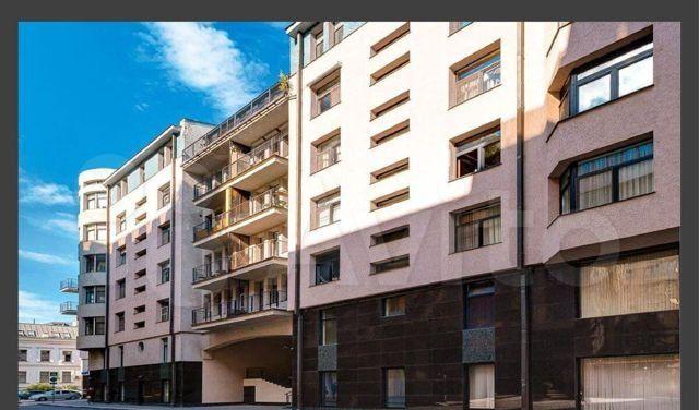 Продажа трёхкомнатной квартиры Москва, метро Кропоткинская, 1-й Зачатьевский переулок 4, цена 67000000 рублей, 2021 год объявление №560335 на megabaz.ru