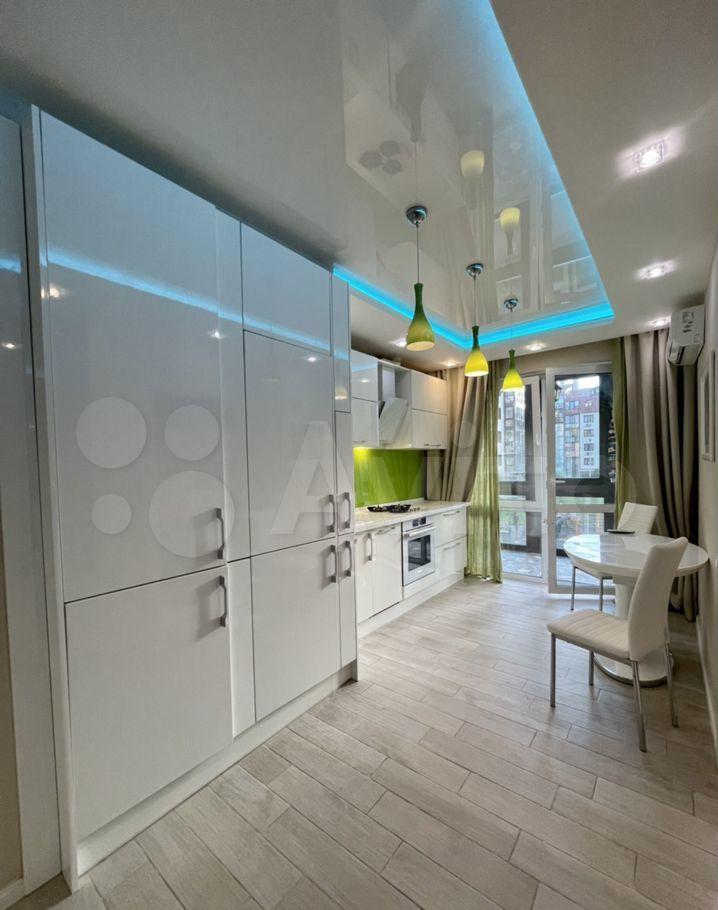 Продажа однокомнатной квартиры село Ромашково, Никольская улица 8к1, цена 9250000 рублей, 2021 год объявление №633356 на megabaz.ru