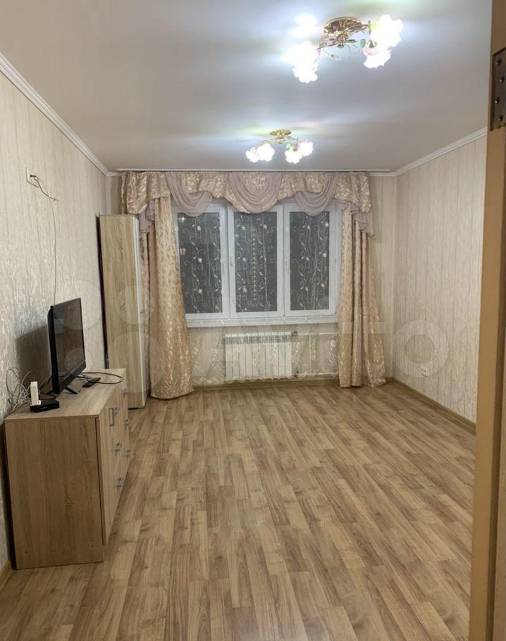 Аренда двухкомнатной квартиры деревня Островцы, Баулинская улица 7, цена 25000 рублей, 2021 год объявление №1379903 на megabaz.ru
