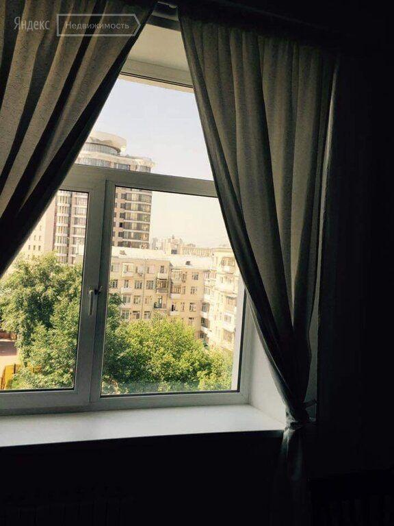 Продажа четырёхкомнатной квартиры Москва, метро Смоленская, Новинский бульвар 7, цена 30250000 рублей, 2021 год объявление №563971 на megabaz.ru