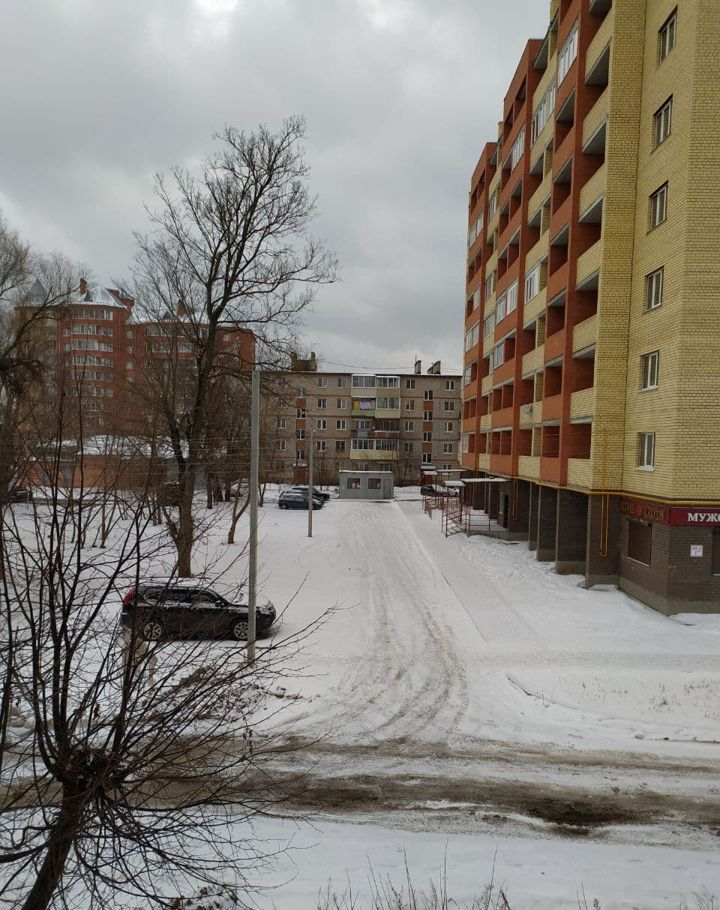 Продажа однокомнатной квартиры Куровское, Первомайская улица 95, цена 2700000 рублей, 2021 год объявление №566111 на megabaz.ru