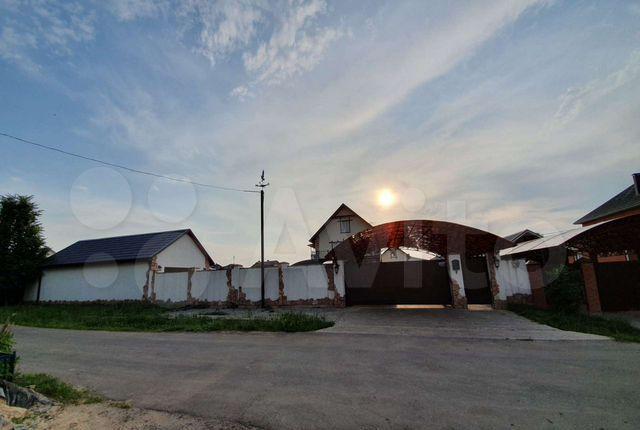 Продажа дома деревня Большое Петровское, Дорожная улица, цена 22000000 рублей, 2021 год объявление №566797 на megabaz.ru