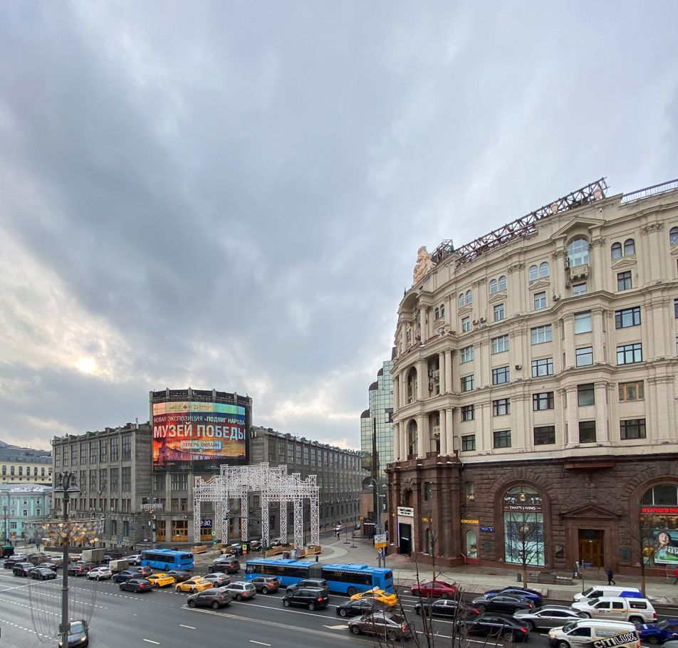 Аренда двухкомнатной квартиры Москва, метро Театральная, Тверская улица 6с1, цена 130000 рублей, 2021 год объявление №1325003 на megabaz.ru