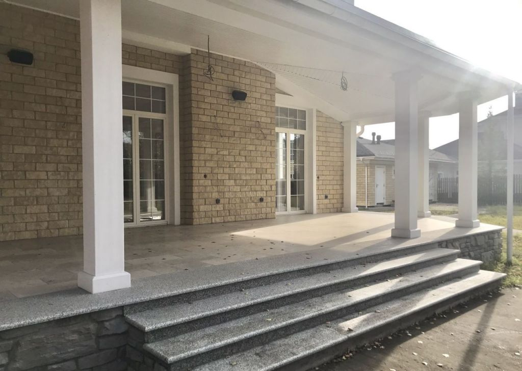 Продажа дома деревня Новинки, Ясный проезд 7, цена 140000000 рублей, 2021 год объявление №535615 на megabaz.ru