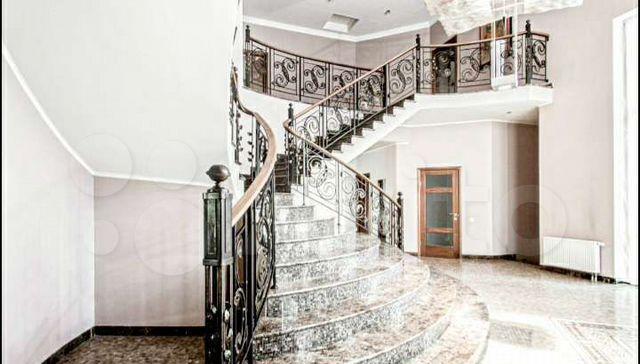 Аренда дома деревня Жуковка, цена 1000000 рублей, 2021 год объявление №1348242 на megabaz.ru