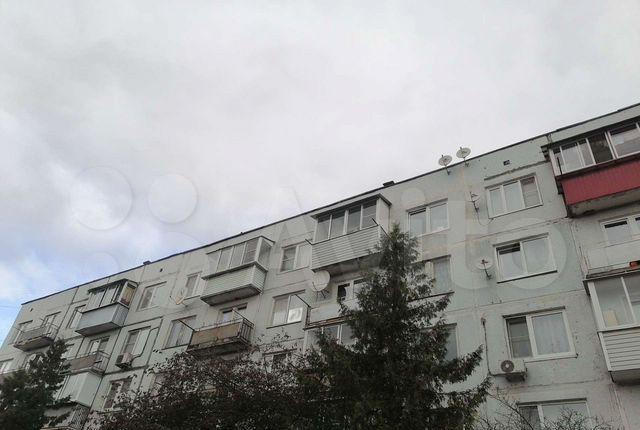 Аренда однокомнатной квартиры село Ям, улица Связистов 8, цена 23000 рублей, 2021 год объявление №1246409 на megabaz.ru