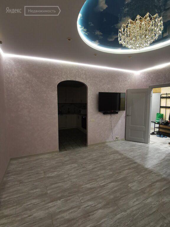 Аренда двухкомнатной квартиры Москва, метро Лесопарковая, Варшавское шоссе 168, цена 70000 рублей, 2021 год объявление №1331735 на megabaz.ru