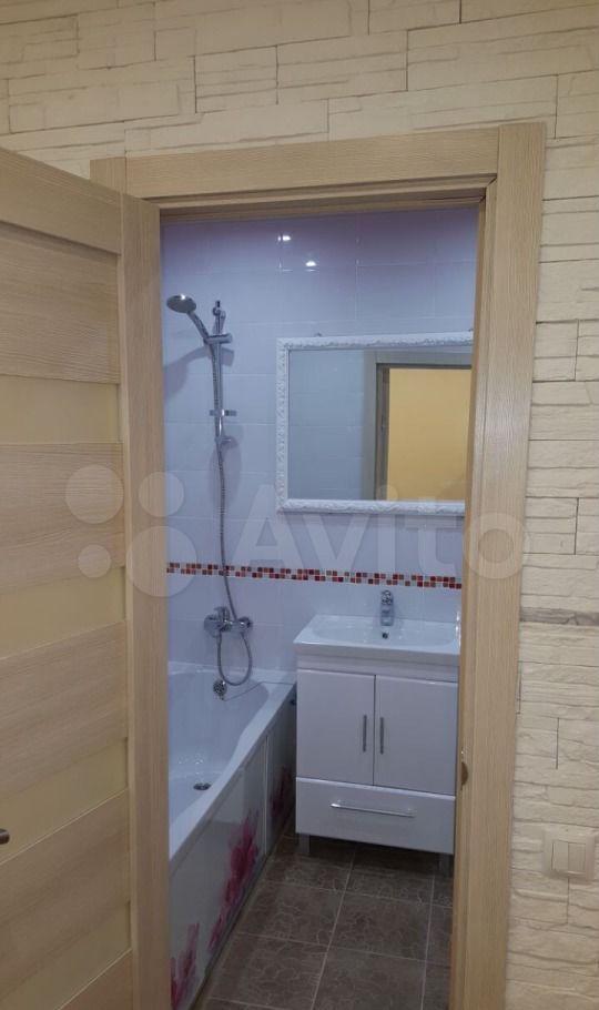 Аренда двухкомнатной квартиры село Немчиновка, Рублёвский проезд 21, цена 32000 рублей, 2021 год объявление №1373306 на megabaz.ru