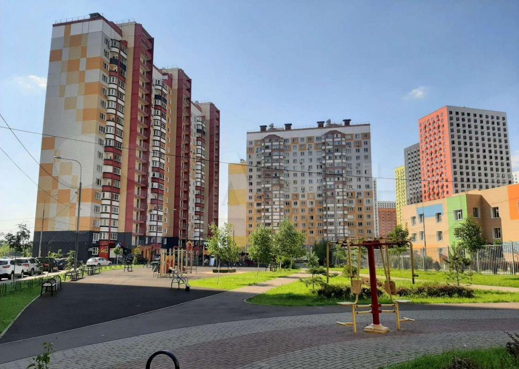 Аренда однокомнатной квартиры деревня Картино, Южная улица 11, цена 28000 рублей, 2021 год объявление №1419296 на megabaz.ru
