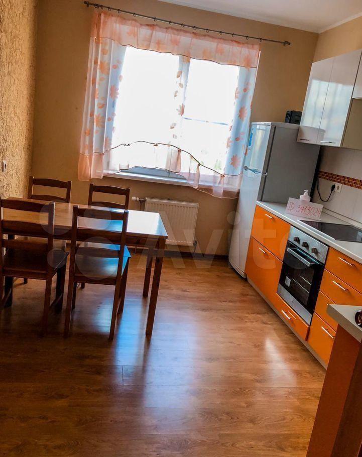 Аренда двухкомнатной квартиры поселок Володарского, цена 30000 рублей, 2021 год объявление №1365661 на megabaz.ru
