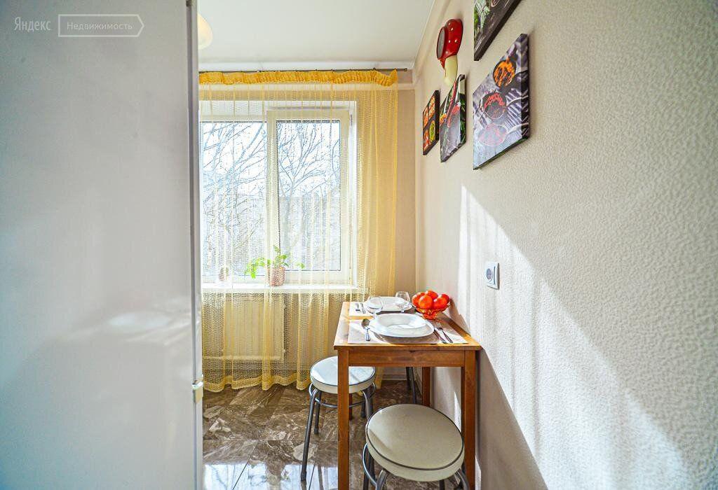 Аренда комнаты Москва, метро Охотный ряд, Газетный переулок 1/12, цена 13500 рублей, 2021 год объявление №1360244 на megabaz.ru