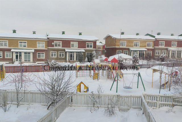 Аренда дома село Озерецкое, Солнечная улица, цена 92000 рублей, 2021 год объявление №1317300 на megabaz.ru