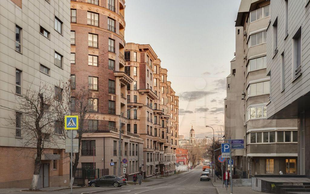 Продажа трёхкомнатной квартиры Москва, метро Чкаловская, Наставнический переулок 6, цена 35900000 рублей, 2021 год объявление №636233 на megabaz.ru