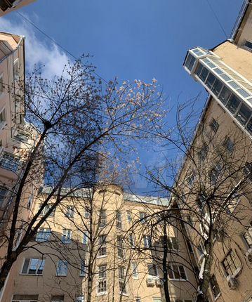 Аренда трёхкомнатной квартиры Москва, метро Кропоткинская, переулок Сивцев Вражек 21, цена 95000 рублей, 2021 год объявление №1339937 на megabaz.ru