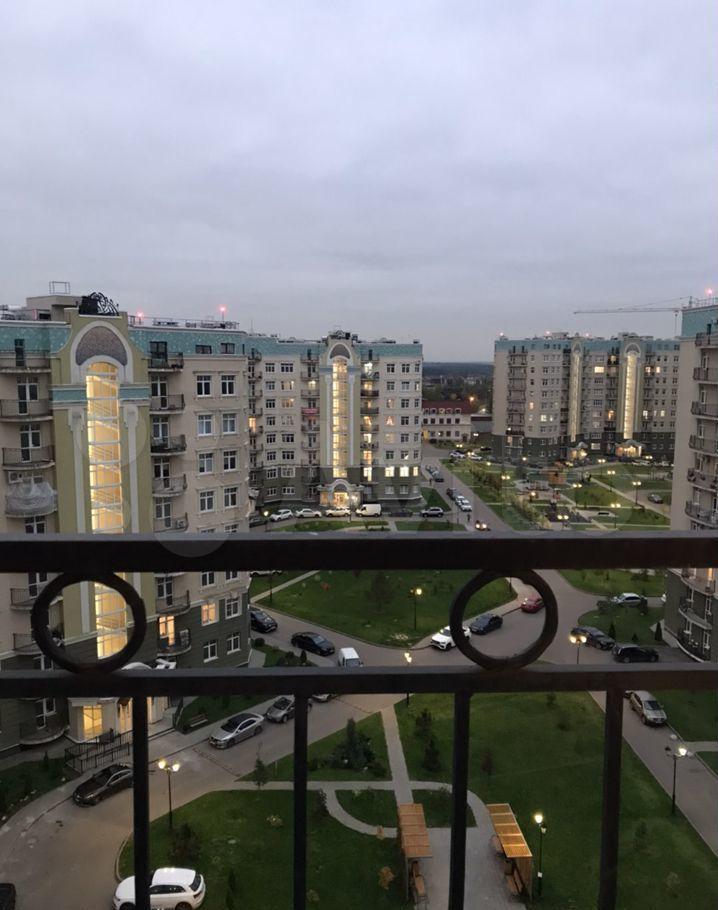 Аренда двухкомнатной квартиры поселок Ильинское-Усово, проезд Александра Невского 5, цена 75000 рублей, 2021 год объявление №1481691 на megabaz.ru