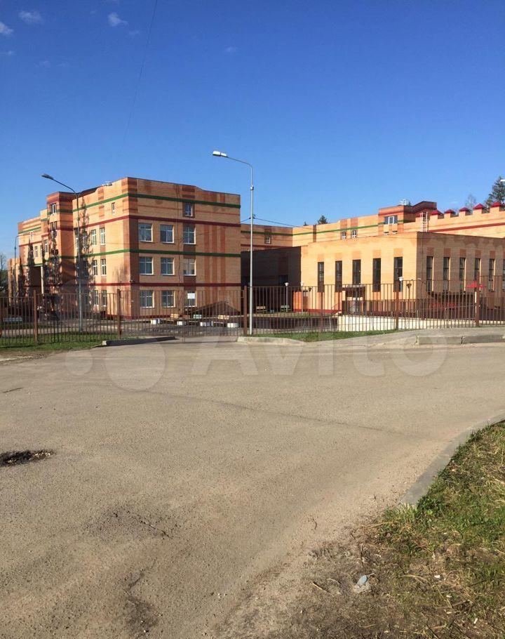 Продажа двухкомнатной квартиры поселок Любучаны, Парковая улица 10, цена 3550000 рублей, 2021 год объявление №611560 на megabaz.ru