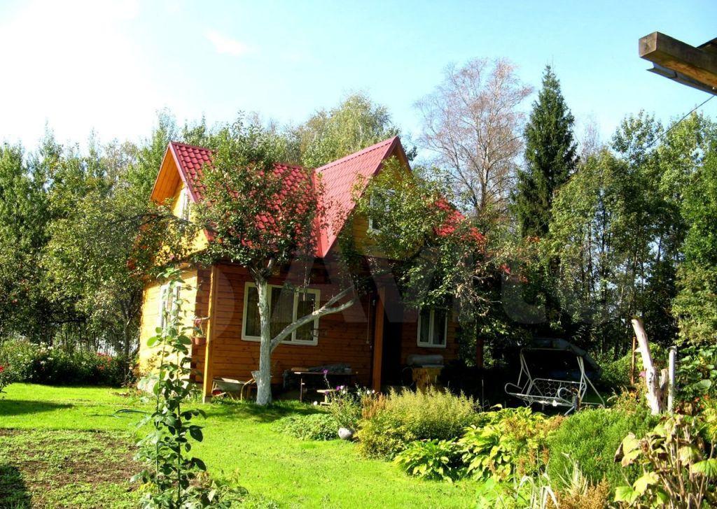 Аренда дома деревня Жуковка, Лесная улица, цена 20000 рублей, 2021 год объявление №1273369 на megabaz.ru