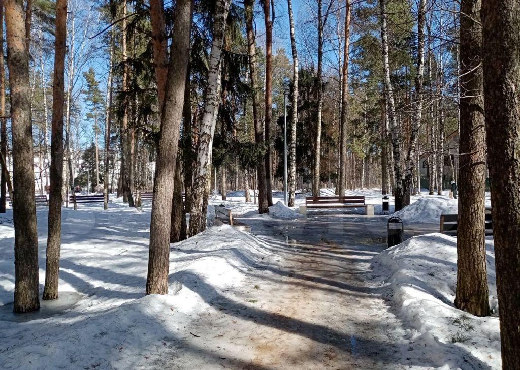 Продажа однокомнатной квартиры поселок Зеленый, Школьная улица 11, цена 4050000 рублей, 2021 год объявление №588579 на megabaz.ru