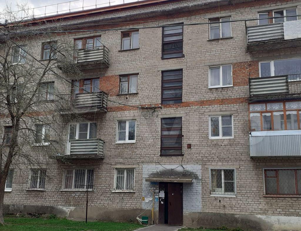 Продажа двухкомнатной квартиры рабочий посёлок Мишеронский, Новая улица 12, цена 900000 рублей, 2021 год объявление №575254 на megabaz.ru