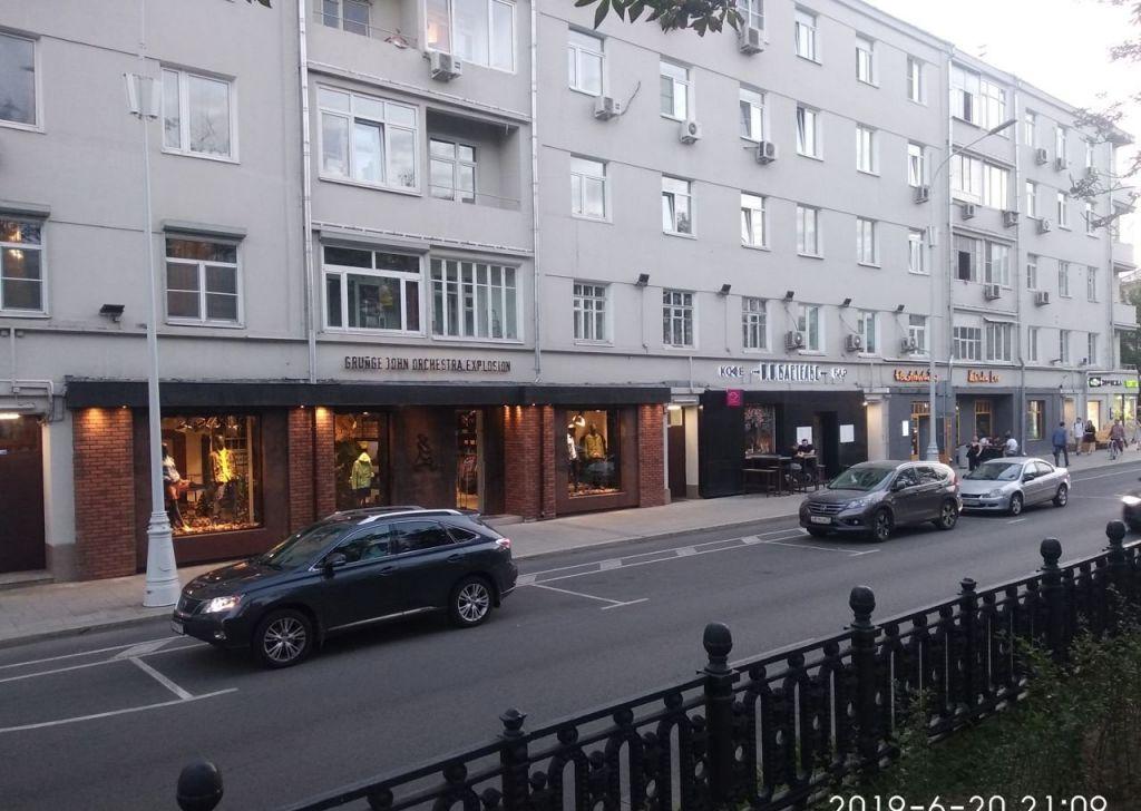 Аренда трёхкомнатной квартиры Москва, метро Арбатская, Никитский бульвар 25, цена 94000 рублей, 2021 год объявление №1000714 на megabaz.ru