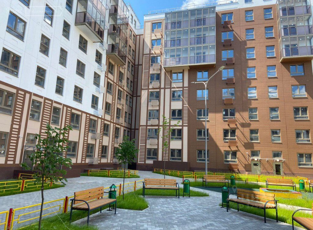 Продажа двухкомнатной квартиры деревня Елино, цена 4699999 рублей, 2021 год объявление №593092 на megabaz.ru