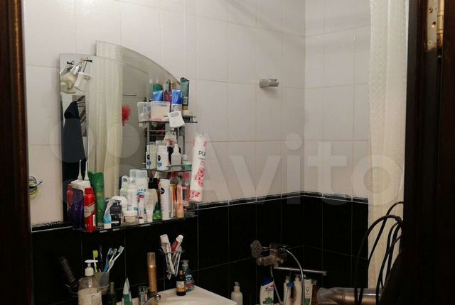Продажа двухкомнатной квартиры поселок Большевик, улица Ленина 50, цена 2990000 рублей, 2021 год объявление №594542 на megabaz.ru