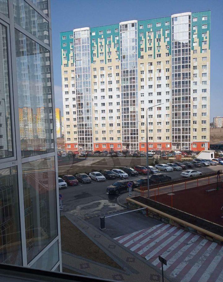 Аренда однокомнатной квартиры деревня Голубое, Сургутский проезд 1к2, цена 20000 рублей, 2021 год объявление №1434687 на megabaz.ru