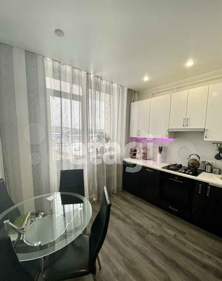 Продажа двухкомнатной квартиры Яхрома, улица Бусалова 10, цена 4800000 рублей, 2021 год объявление №614420 на megabaz.ru