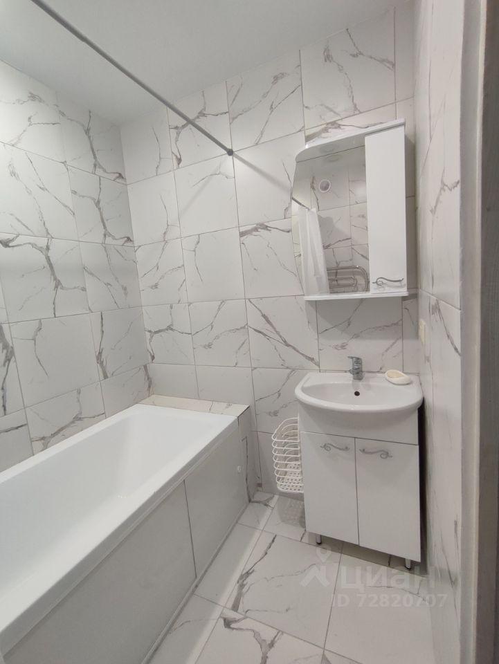 Аренда двухкомнатной квартиры деревня Малые Вязёмы, цена 25000 рублей, 2021 год объявление №1384303 на megabaz.ru