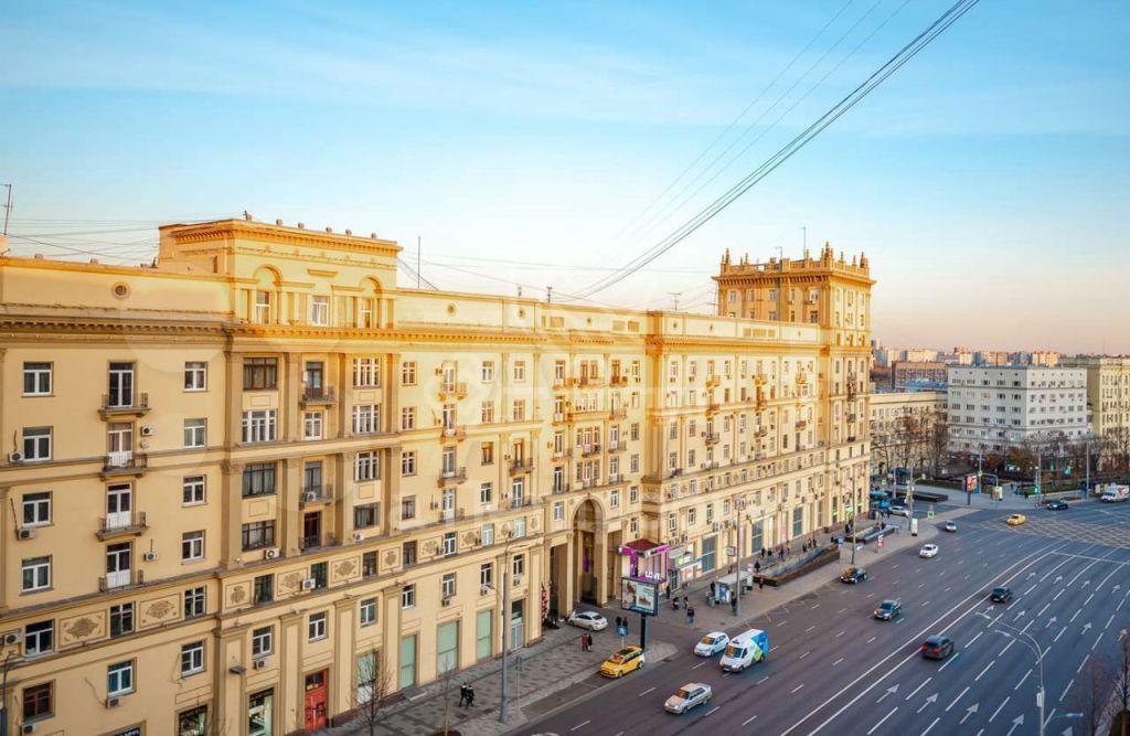 Продажа комнаты Москва, метро Красные ворота, Хомутовский тупик 4к1, цена 6000000 рублей, 2021 год объявление №599166 на megabaz.ru
