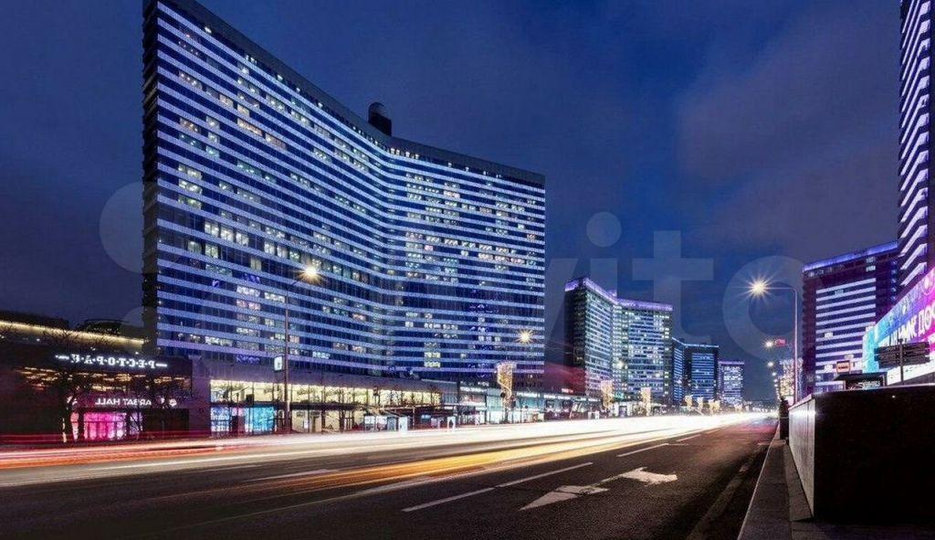 Продажа трёхкомнатной квартиры Москва, метро Арбатская, цена 83790000 рублей, 2021 год объявление №660192 на megabaz.ru