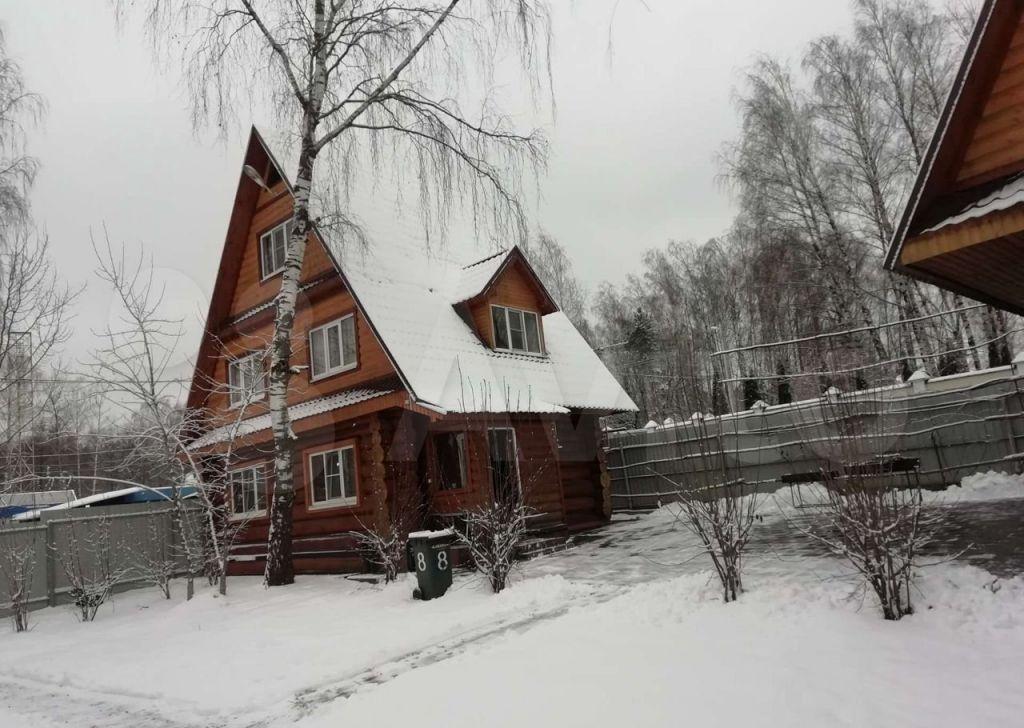 Аренда дома деревня Грибки, Адмиральская улица, цена 12000 рублей, 2021 год объявление №1282336 на megabaz.ru