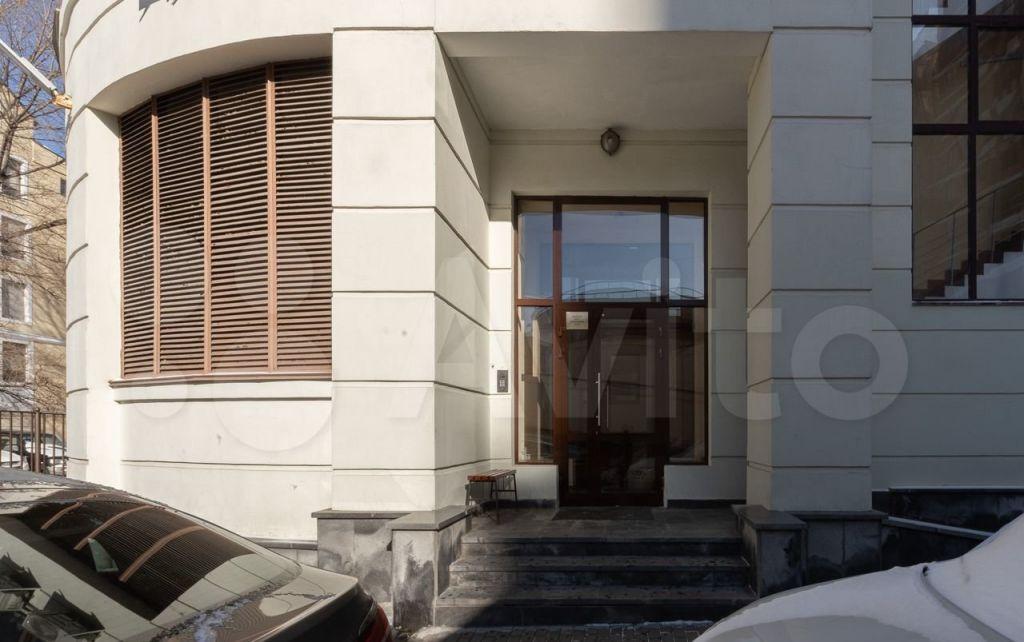 Продажа трёхкомнатной квартиры Москва, метро Новослободская, Новослободская улица 11, цена 73000000 рублей, 2021 год объявление №620677 на megabaz.ru