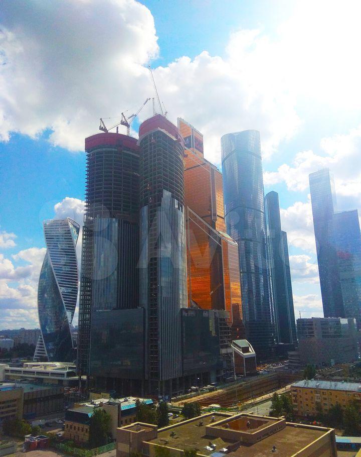 Продажа четырёхкомнатной квартиры Москва, метро Выставочная, Мантулинская улица 9к5, цена 67000000 рублей, 2021 год объявление №685885 на megabaz.ru