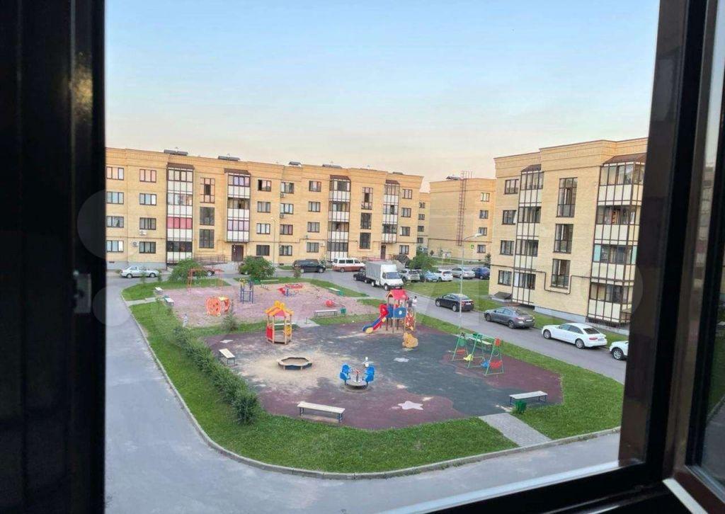 Аренда трёхкомнатной квартиры деревня Исаково, Рябиновая улица 11, цена 32000 рублей, 2021 год объявление №1418829 на megabaz.ru